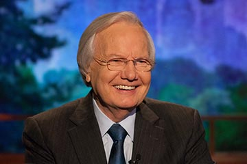 Bill Moyers headshot, Photo Credit: Dale Robbins