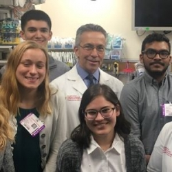 Surgeon who Separated Conjoined Twins Mentors Rutgers Undergraduates